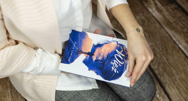 """,,Więź"""" - książka o miłości silniejszej niż czas"""